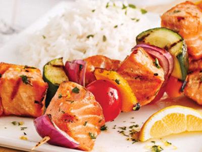 Brochettes de saumon/légumes