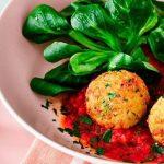 Boulettes de chou-fleur à la sauce tomate